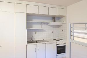 A kitchen or kitchenette at A1 Hostel Nürnberg