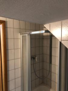 A bathroom at Wohnen auf Zeit