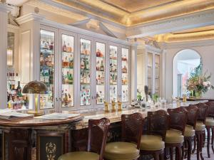 A restaurant or other place to eat at The Goring
