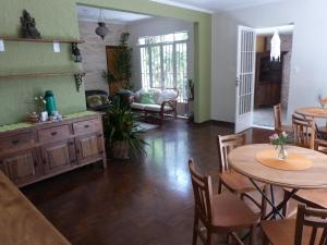 A kitchen or kitchenette at Zen Hostel Brasil