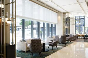 A restaurant or other place to eat at Courtyard by Marriott Osaka Honmachi