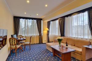 Гостиная зона в Отель Аэрополис