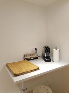 A kitchen or kitchenette at Loft Luxe Réformé