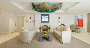A seating area at Salcombe Harbour Hotel