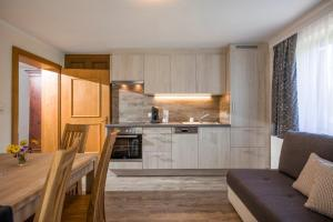 A kitchen or kitchenette at Nagelschmiedhof