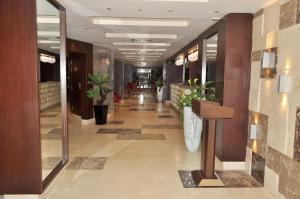 منطقة الاستقبال أو اللوبي في جولدن بارك هوتيل هليوبوليس القاهرة