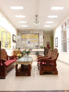 El vestíbulo o zona de recepción de Minh Phat Homestay