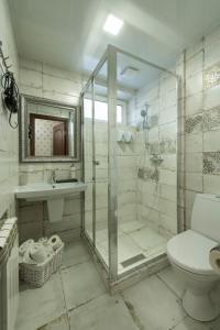 A bathroom at Mini Hotel Ryleev