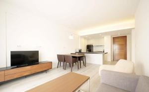 A television and/or entertainment centre at Bodaiju Residences