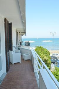 A balcony or terrace at 100 passi dal mare