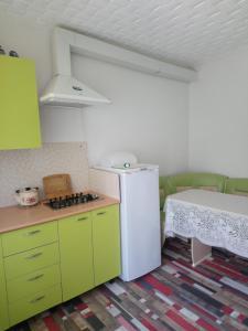 Кухня или мини-кухня в Частный сектор Aquarelle