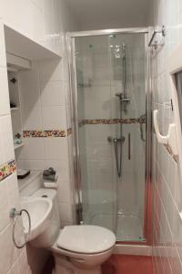 Un baño de Calle Olavarrieta 16 bajo