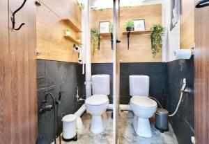 A bathroom at hipstercity hostel