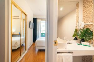 A bathroom at Hotel Cetina Murcia