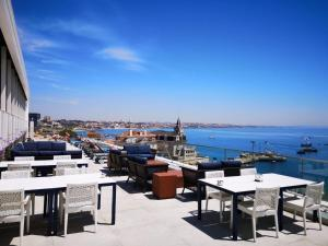 A restaurant or other place to eat at Hotel Baia