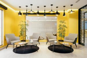 A seating area at Hotel Cetina Murcia