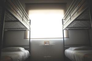 Litera o literas de una habitación en Stone Obidos Hostel