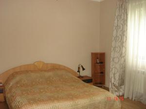 Cama ou camas em um quarto em Neftçilər Prospekti 131metro SAHIL