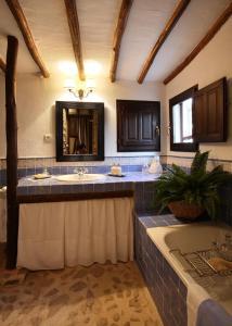 A kitchen or kitchenette at El Añadío