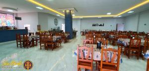 Um restaurante ou outro lugar para comer em São Bento Palace Hotel