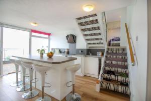 A kitchen or kitchenette at Crantock