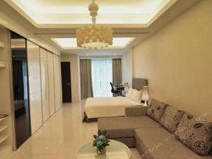 A seating area at Damas Suites & Residences Kuala Lumpur