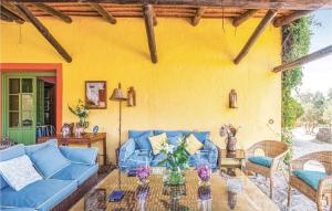 A seating area at Five-Bedroom Holiday Home in Coripe