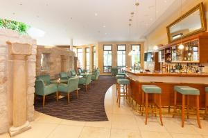The lounge or bar area at Parkhotel Prinz Carl
