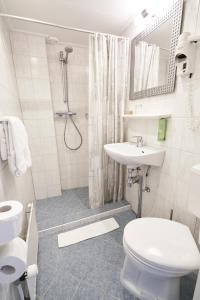 A bathroom at Hotel Van Walsum