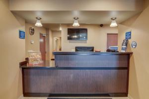 The lobby or reception area at Cobblestone Inn & Suites-Kersey