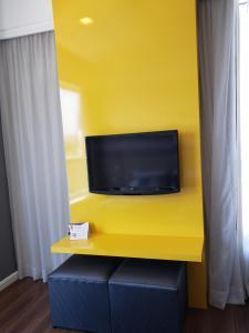 Uma TV ou centro de entretenimento em MS NORTEL