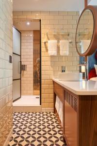 A bathroom at Hard Rock Hotel Dublin