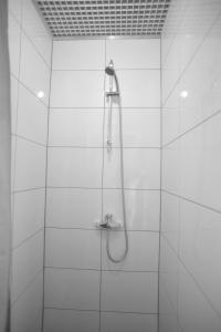 حمام في فندق آبا