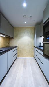 Köök või kööginurk majutusasutuses Rotermanni Premium Apartment
