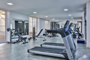 The fitness centre and/or fitness facilities at Itapema Beach Resorts by Nobile