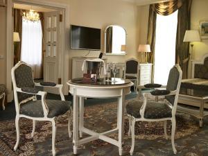 TV a/nebo společenská místnost v ubytování Esplanade Spa and Golf Resort