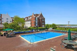 The swimming pool at or near Montauk Manor