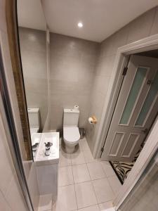 A bathroom at W6 Hotel
