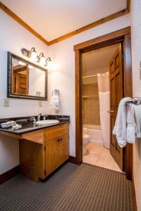 A bathroom at Kandahar Lodge at Whitefish Mountain Resort