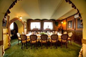 Restauracja lub miejsce do jedzenia w obiekcie Hotel Jagielloński