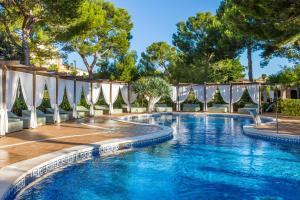 Basen w obiekcie Zafiro Mallorca & Spa lub w pobliżu