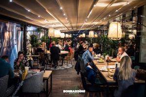 Restauracja lub miejsce do jedzenia w obiekcie Hotel Willowa