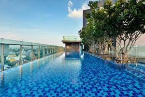 The swimming pool at or near Civic Horizon Hotel & Residence