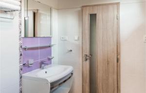 A bathroom at Holiday home Tursko AB-712