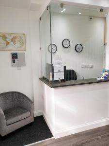The lobby or reception area at Wanstead Hotel