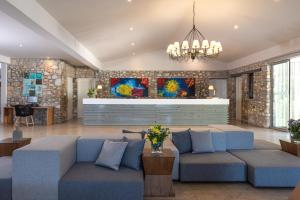 A seating area at Kassandra Bay Resort, Suites & Spa