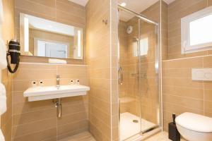 Salle de bains dans l'établissement Hôtel-Restaurant Bois Joly