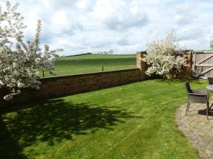 A garden outside Smallthorns Barn