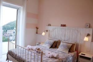 A bed or beds in a room at B&B IRNUM