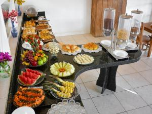 Breakfast options available to guests at Apa Pau Brasil